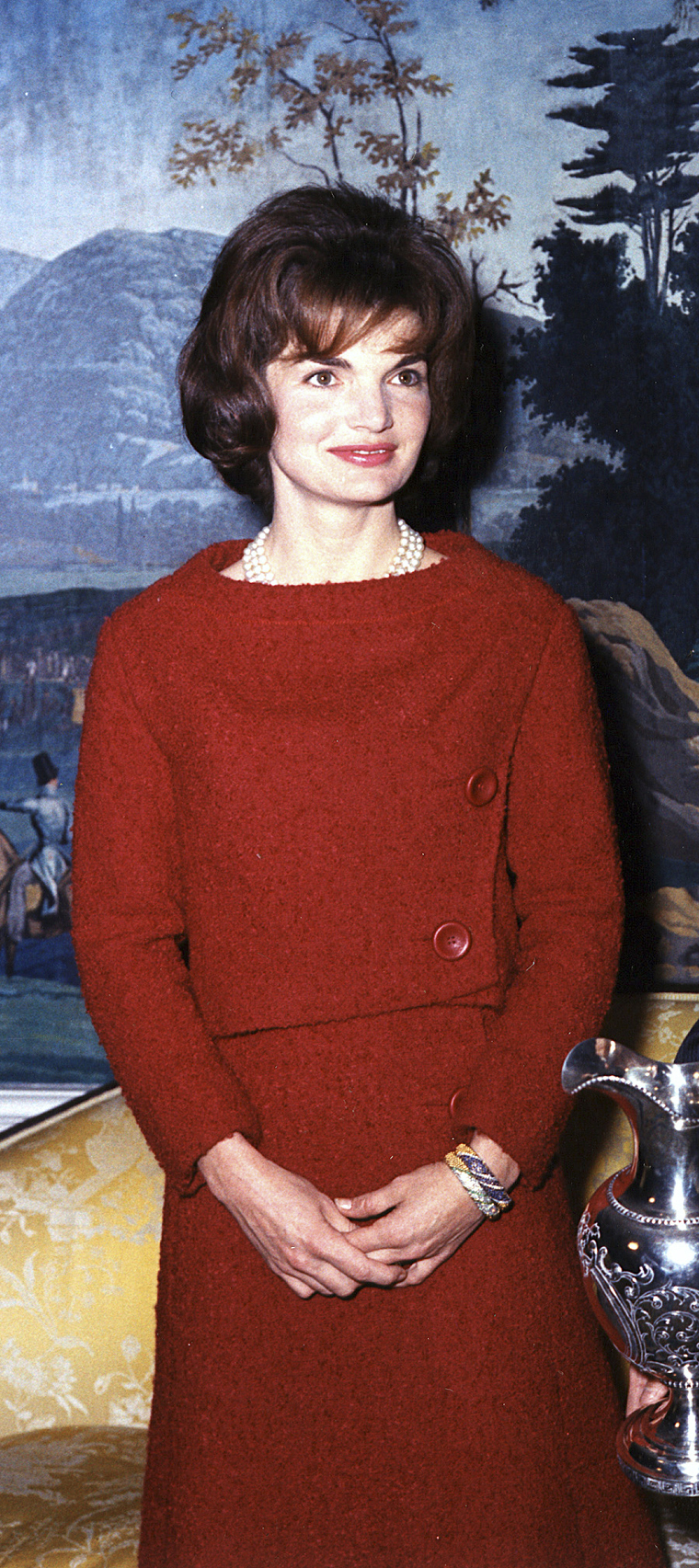 Mrs. Kennedy in the Diplomatic Reception Room, 05 December 1961. (John F. Kennedy Presidential Library and Museum, National Archives)