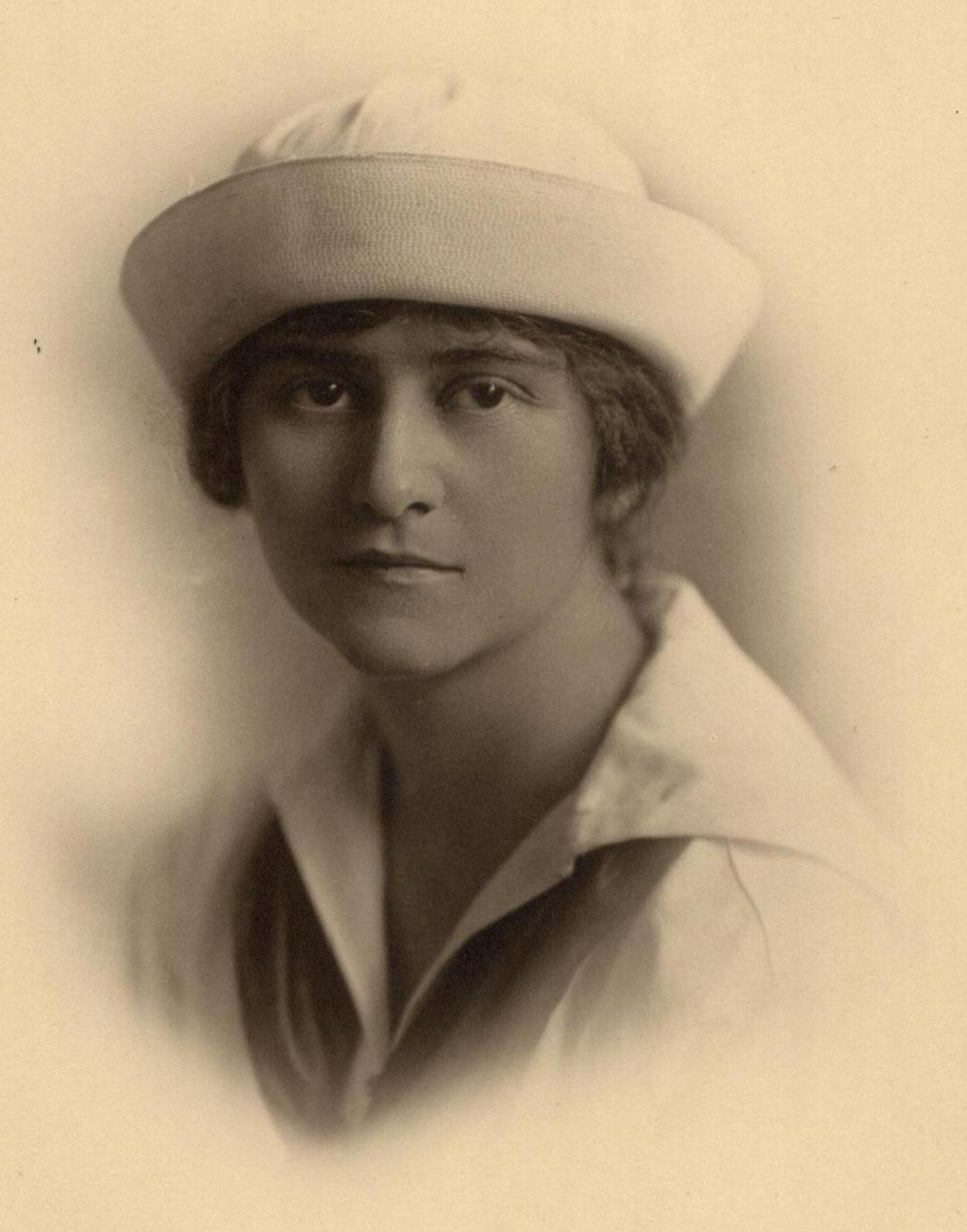 Photograph of Isabelle Villiers