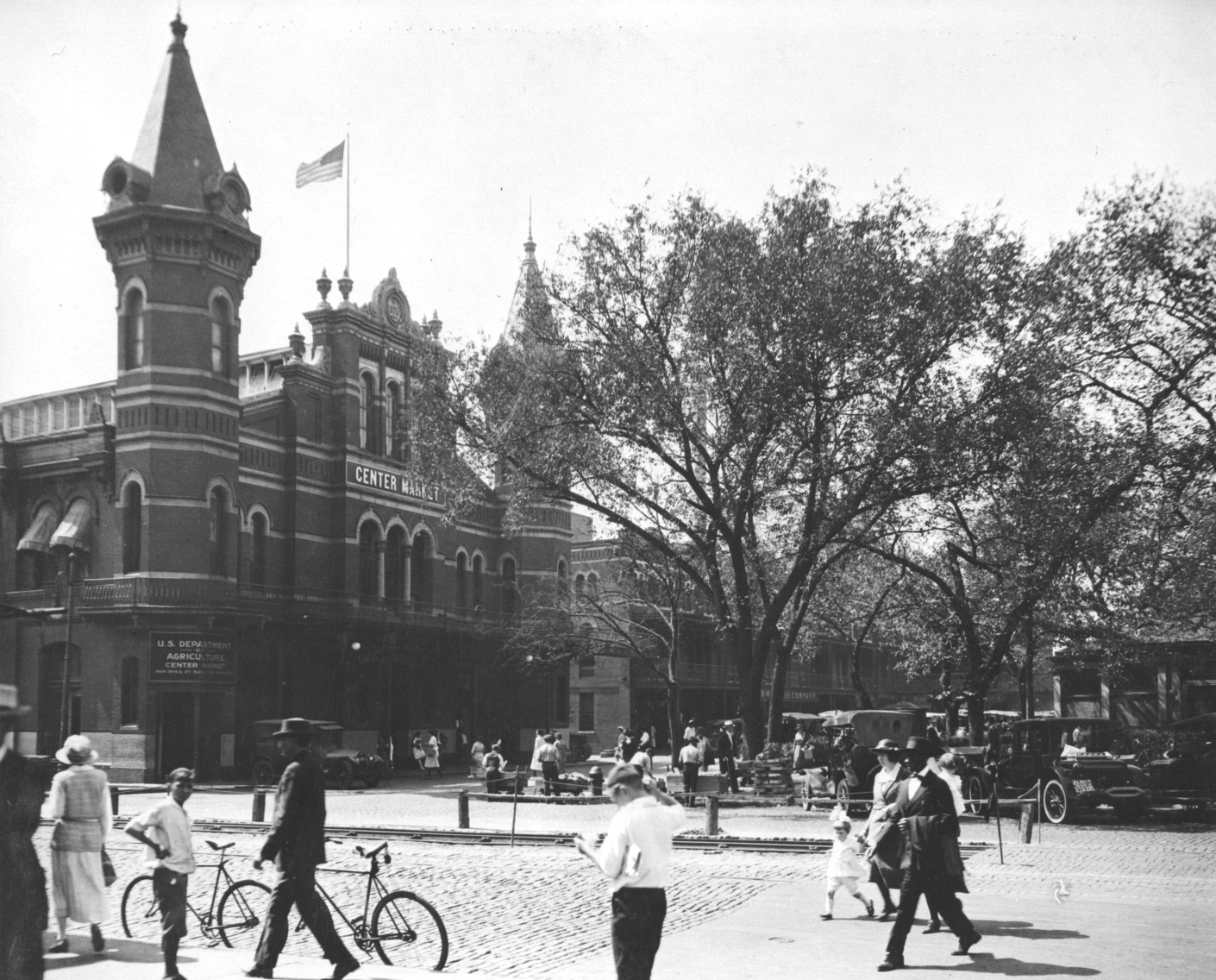 """""""Front View of 7th Street Entrance to Center Market"""" October, 1922. (National Archives Identifier 7851122)"""